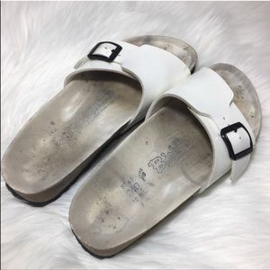 Birki's | White Patent Leather Slip On Sandals